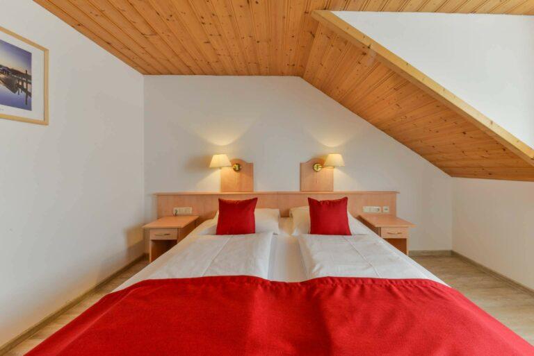 Hotel Restaurant Metzgerwirt Bayersoien Doppelbett